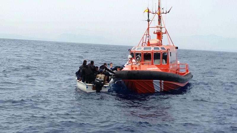Troben a deu immigrants després d'arribar almenys una pastera a Altea