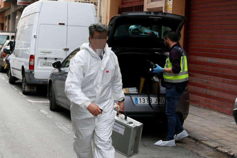Troben un bebè nounat mort dins d'un contenidor a Alacant