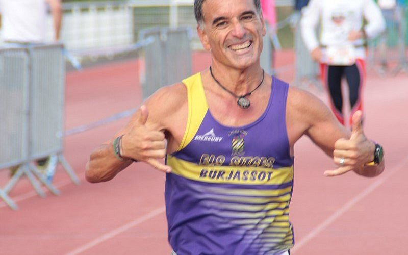 L'ultrafondista Eduardo Gómez venç en les 12 hores de Villenave D'Ornon (França) i estableix un nou rècord de la prova