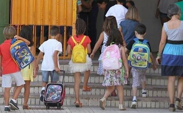 Compromís proposa consolidar per llei l'equiparació dels drets entre les famílies monoparentals i les nombroses