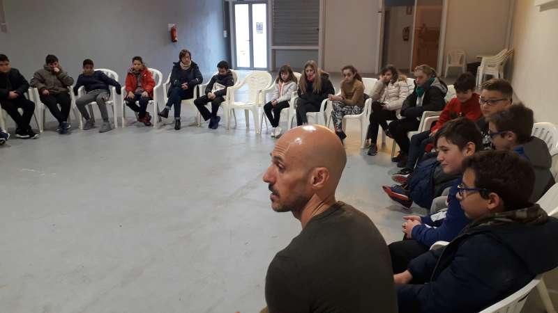 'Un viatge dins el Quixot': aprendre a ritme de ball, teatre i literatura al CEIP l'Ermita de Benifairó