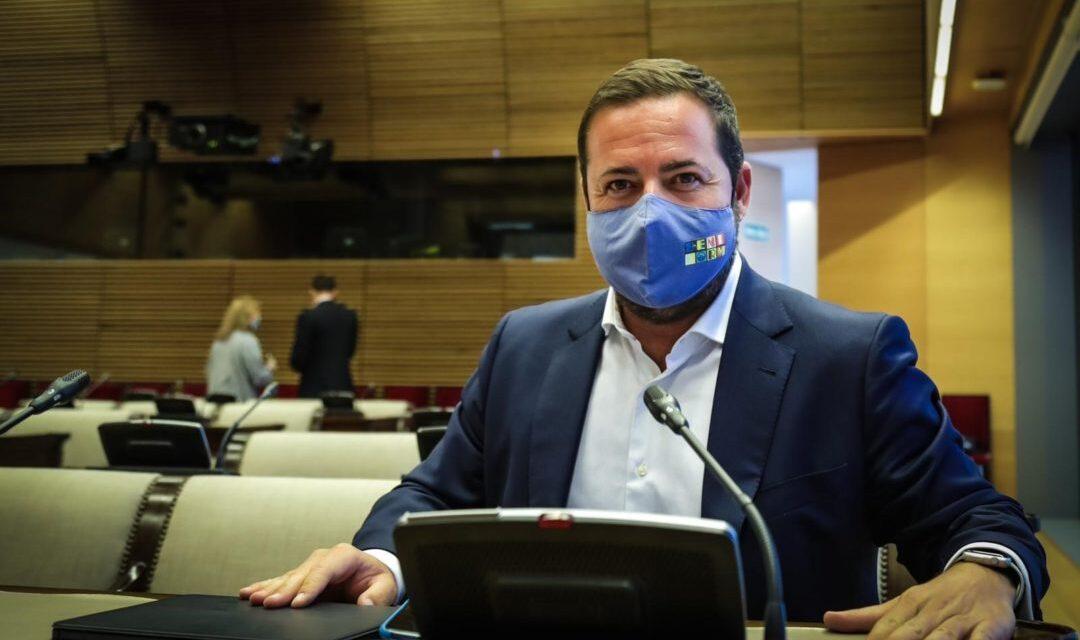 Agustín Almodóbar pregunta al secretari d'Estat de SEGURETAT per la comissaria de Benidorm i li urgeix a inCLOURE-LA en els pressupostos de l'Estat