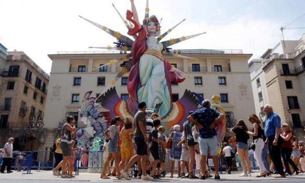 Alacant suspèn les Fogueres al juny i estudiarà altres dates