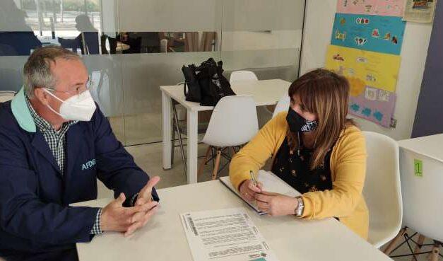 Benestar Social aborda amb Afdem l'atenció a persones amb malaltia mental i familiars
