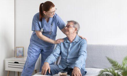 """Taula redona """"Per un nou model de cura de les persones majors"""""""