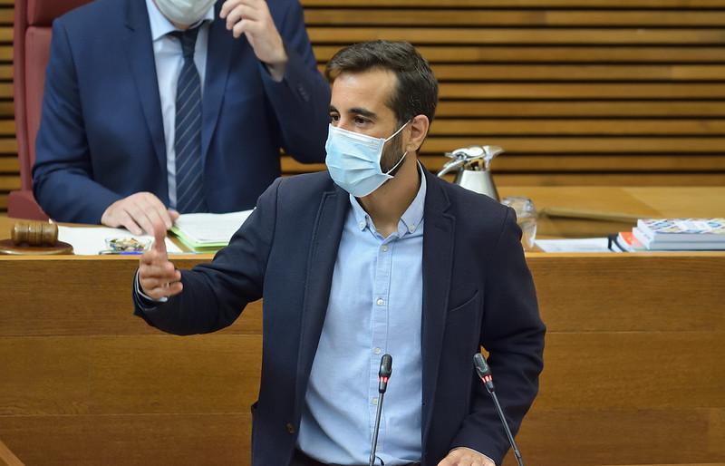 """Muñoz recrimina a Casado que vingui a la Comunitat a """"prometre'ns deixar-nos en el furgó de cua d'Espanya"""""""